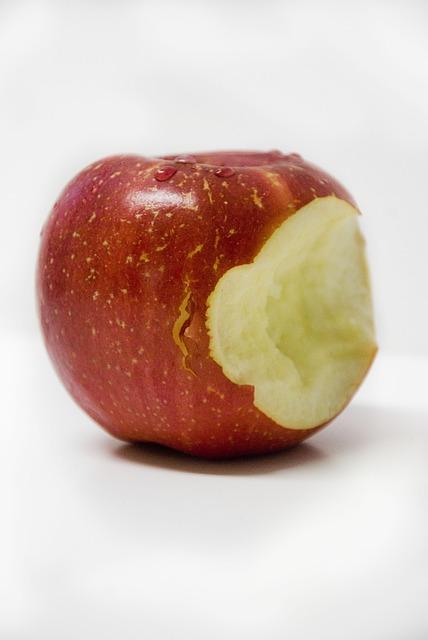 Zjeść Jabłko do końca, wyrzucić ogryzek izapomnieć onim